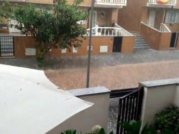 Frame 40.609148 de: Más de 6.600 rayos cayeron ayer sobre la Península y Baleares por las tormentas