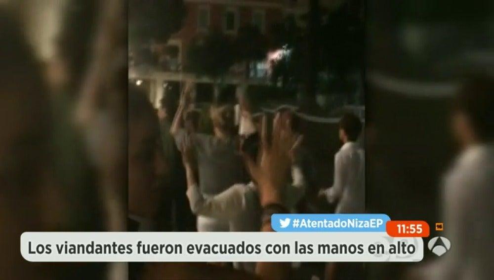 Frame 41.090612 de: evacuados