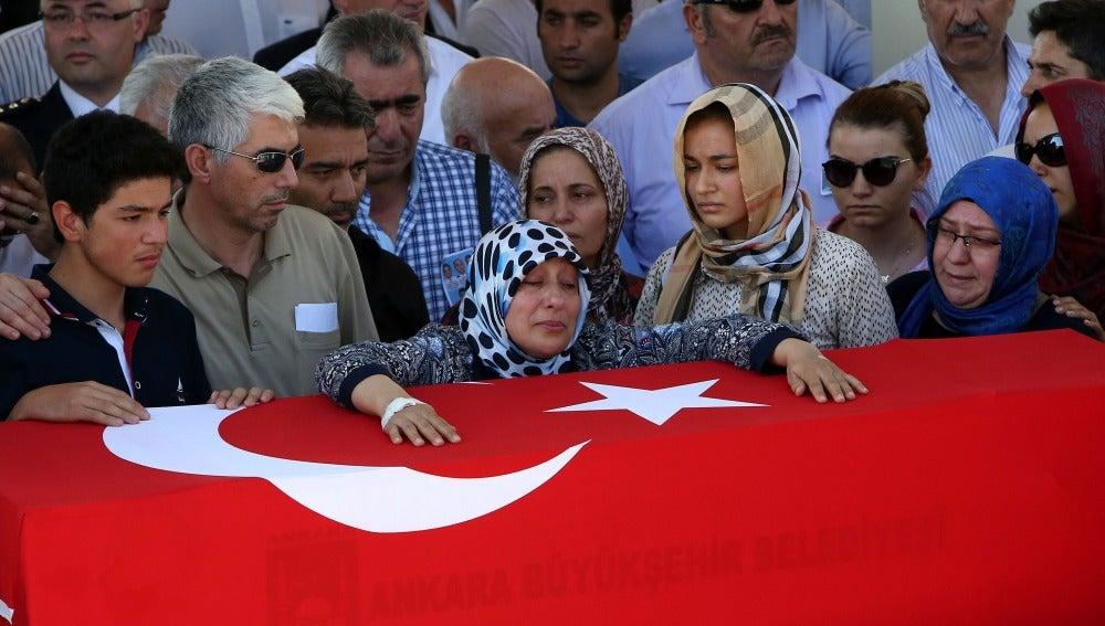 Entierros en Turquía tras el golpe de Estado
