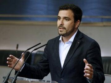 """Garzón: """"Estamos viviendo una partida de póquer entre el PP, Ciudadanos y PSOE, en la que C's y PSOE saben que va a gobernar el PP"""""""