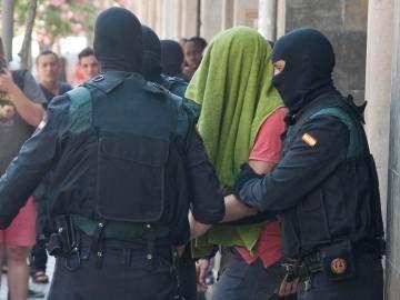 Los dos hermanos detenidos en Girona enviaban al Daesh la mitad de sus ingresos