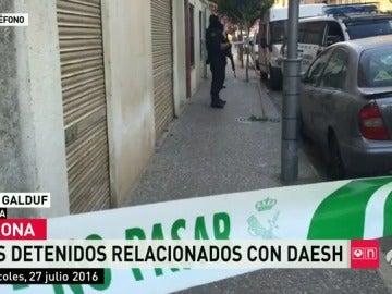 Detienen a dos hermanos en Girona acusados de financiar a Daesh