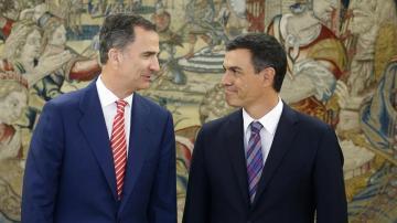 Pedro Sánchez y el rey Felipe VI, reunidos en Moncloa.