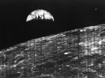 Primera imagen de la Tierra vista desde la Luna