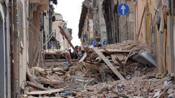 Cruz Roja informa de que una de las víctimas del terremoto en Italia es española