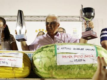 Ganador de la sandía más grande, con 85,6 kilogramos