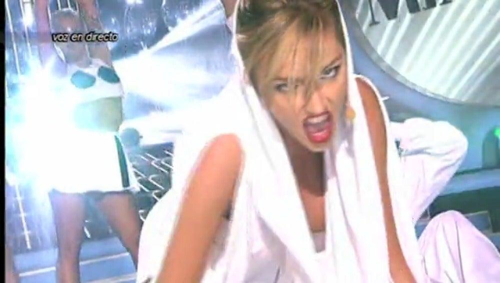 Frame 78.977248 de: Gala 1 I Anna Simon es Kylie Minogue