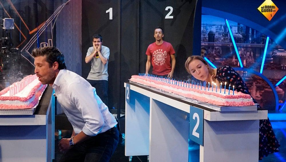 Renée Zellweger y Patrick Dempsey compiten por ver quién es el mejor 'soplavelas' del mundo