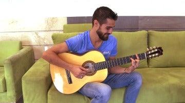 Descubre cómo suena la guitarra de Pablo Espinosa