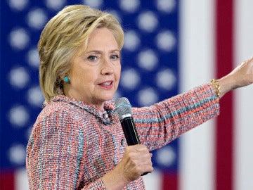 El FBI reabre la investigación sobre el servidor de correo electrónico privado de Clinton