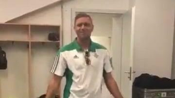 Joaquín bailando