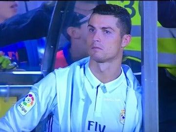 Cristiano Ronaldo, en el banquillo del Real Madrid