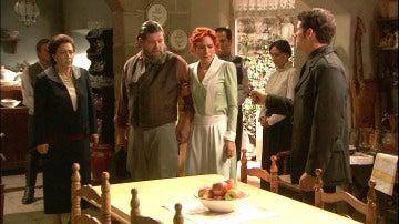 Francisca traiciona a Fe y Mauricio