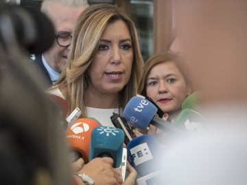 """Díaz, preguntada si está dispuesta a liderar el PSOE: """"Estaré donde me pongan mis compañeros, en la cabeza o en la cola"""""""