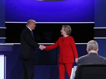 El primer cara a cara entre Clinton y Trump, marcado por las críticas, en nueve frases