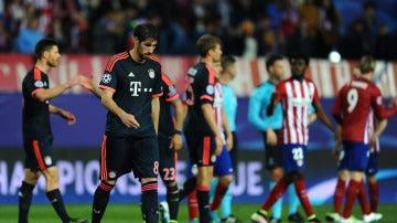 Los jugadores del Bayern, en el duelo de la temporada pasada en El Calderón