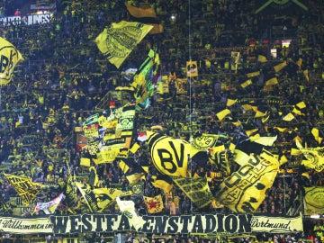 'El muro amarillo', el jugador número 12 del Borussia que 'jugará' ante el Real Madrid