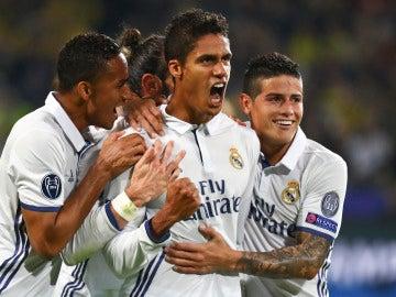 Los jugadores del Real Madrid, celebrando el segundo gol al Dortmund