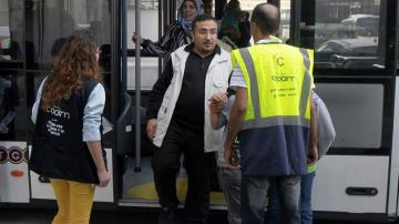 Llegada de refugiados en el aeropuerto este lunes