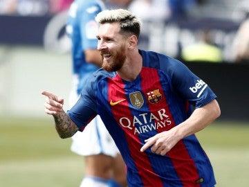 Messi felicita a Totti por su 40 cumpleaños.