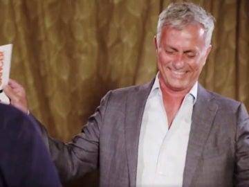 Mourinho sufre un ataque de risa