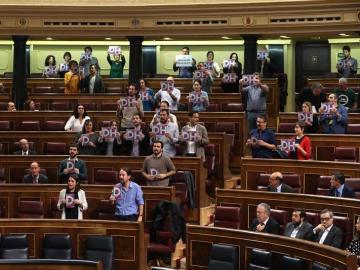 Iglesias, llamado al orden por Ana Pastor tras un incidente protagonizado por diputados de Podemos