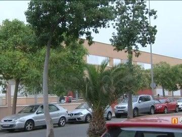 Un menor de 14 años apuñala a un compañero en el patio de un instituto en Almería