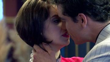 Marta y Rafael, al límite de un beso muy esperado