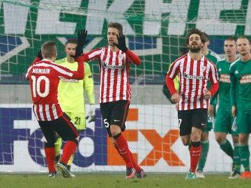 Saborit celebrando su gol con el equipo