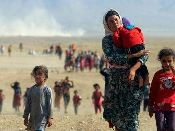 Familias huyen de su hogar debido a la guerra