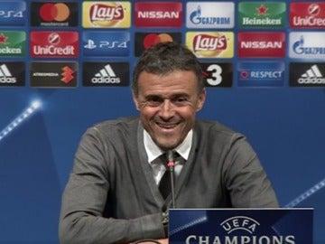 Luis Enrique, sonriente en la rueda de prensa
