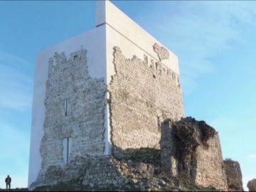 Frame 26.701836 de: La polémica restauración del Castillo de Matrera, en Cádiz, gana el American Architecture Prize