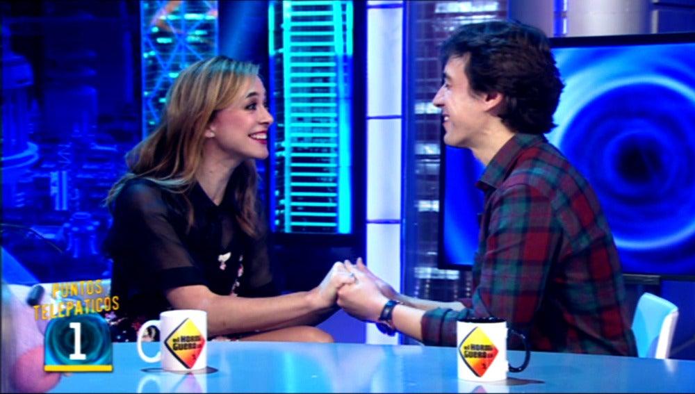 La telepatía de Marta Hazas y Javier Veiga, a prueba
