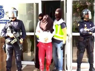 Frame 19.690666 de: España sigue en alerta 4 por terrorismo y acentúa la lucha contra el reclutamiento