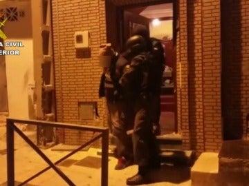 "Frame 1.240939 de: Dos detenidos en Ceuta ""afines a Daesh"" por delitos de terrorismo"