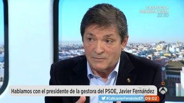 """Frame 1536.046147 de: Javier Fernández: """"No descarto que Pedro Sánchez y Susana Díaz se presenten a las primarias"""""""