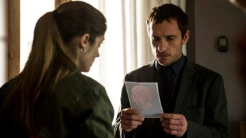 Lara y Álex se alían para averiguar quién mató a Rodrigo