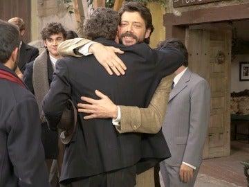 Vivimos tras las cámaras la última secuencia de Álvaro Morte en 'El secreto de Puente Viejo'