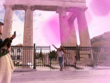 Problemas en la convivencia y luna de miel en el 'parque temático' de la Acrópolis
