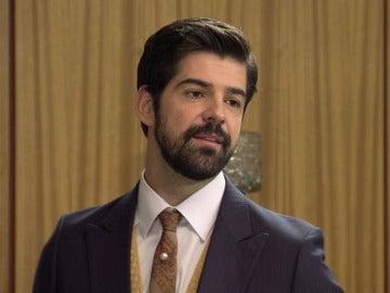 Alonso envía a Jaime al cuarto de las escobas