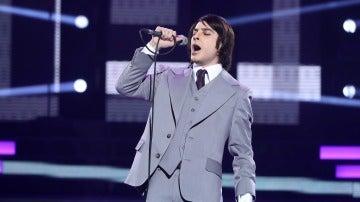 Blas Cantó canta a los cuatro vientos que es 'Libre' como Nino Bravo