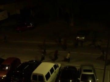 Frame 25.445804 de: Alrededor de 500 inmigrantes logran entrar en Ceuta tras un salto masivo a la valla