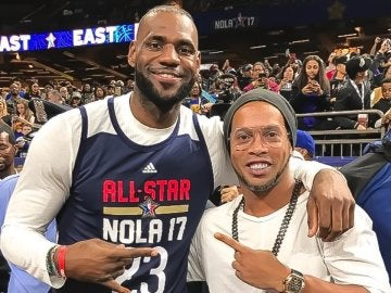 Lebron James y Ronaldinho