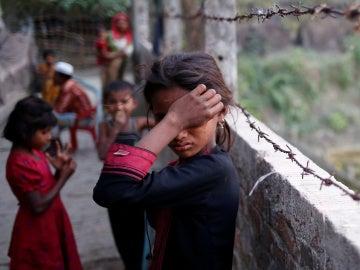 Una niña refugiada Rohingya