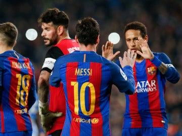 Leo Messi celebra uno de sus dos goles ante el Leganés