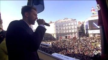Frame 12.711111 de: El Real Madrid celebra la Copa del Rey en el Ayuntamiento de Madrid