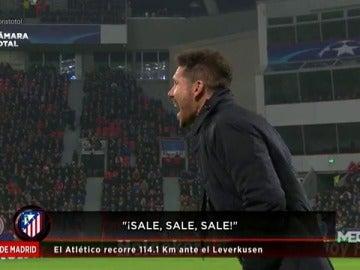Frame 35.722222 de: Así vivió Simeone desde la banda la victoria del Atlético ante el Leverkusen