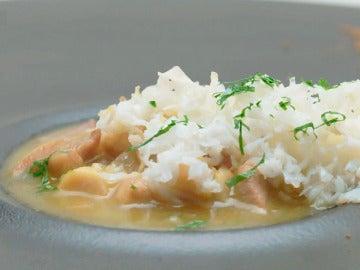 Pollo pepitoria, curry y grammasala