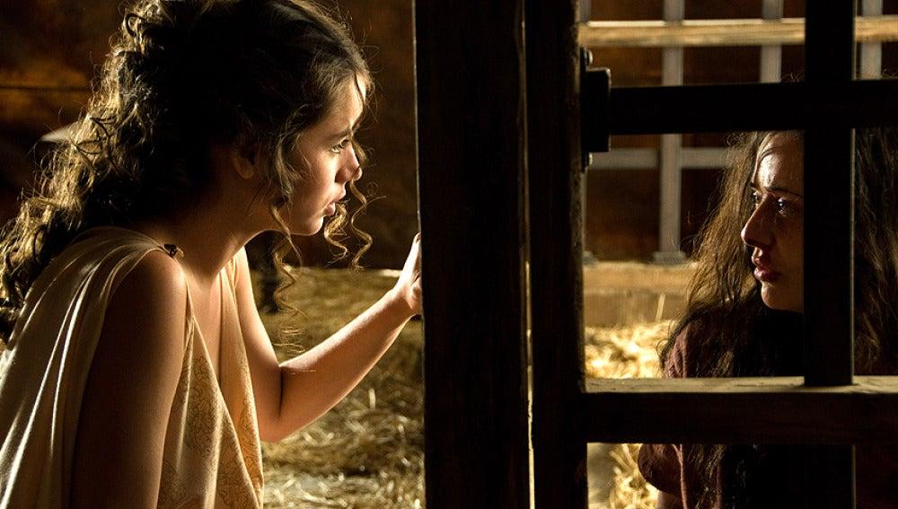 Nerea habla con la hermana de viriato, Bárbara