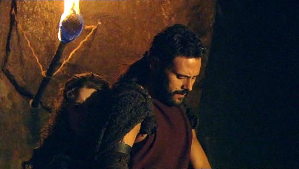 Helena confiesa a Viriato que su padre entregó a Bárbara